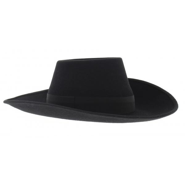 D'artagnan hat