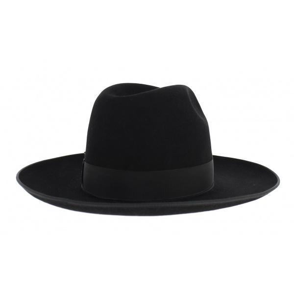 Hat Jewish formed – Sephardis
