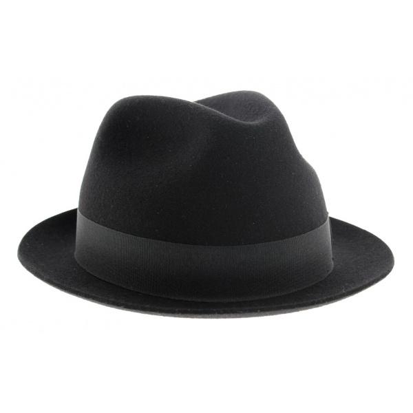 Charlie hat