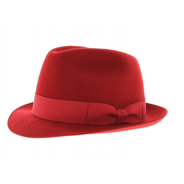 Trilby madder hat
