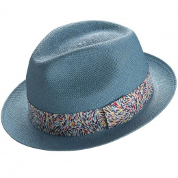 Hat Panama forms trilby