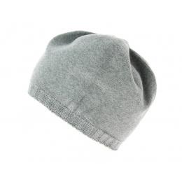 Grey pleated cap