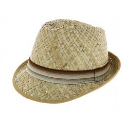 Sully - Straw hat child