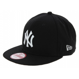 Snapback Yankees Of NY Black & White Cotton Cap - New Era