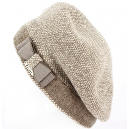 Beret with pea beige