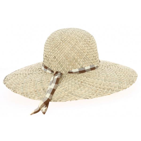 Straw Hat daisie