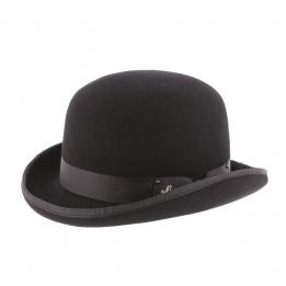 Women bowler hat