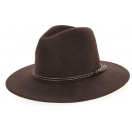 Shiller brown felt hat